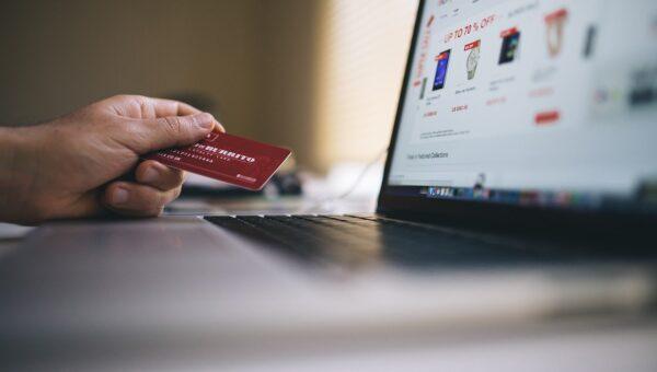 Acquisti on line: le disposizioni sulla sicurezza degli scambi commerciali in rete e le regole di tutela dei consumatori